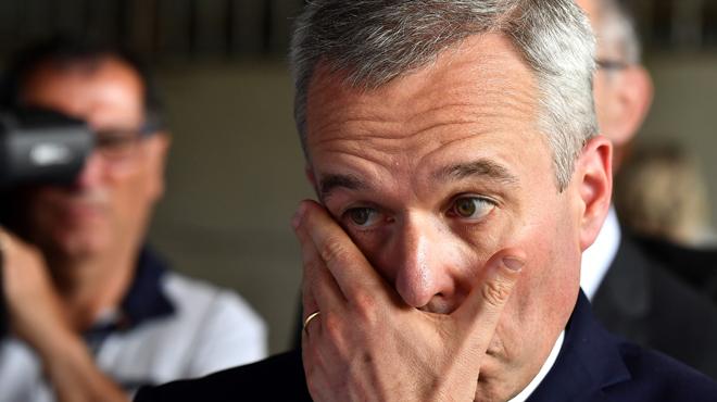 France: au cœur d'une polémique sur des dépenses excessives, un ministre démissionne