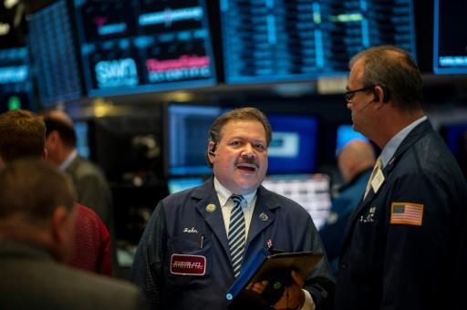 Wall Street ouvre en hausse, portée par Microsoft et Boeing