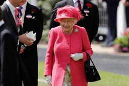 Des Tories paniqués par un no-deal envisagent d'envoyer Elisabeth II à Bruxelles