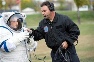 Pour retourner sur la Lune, l'urgence de nouvelles combinaisons spatiales