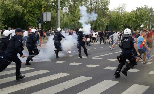 Pologne: une gay pride attaquée par des ultranationalistes