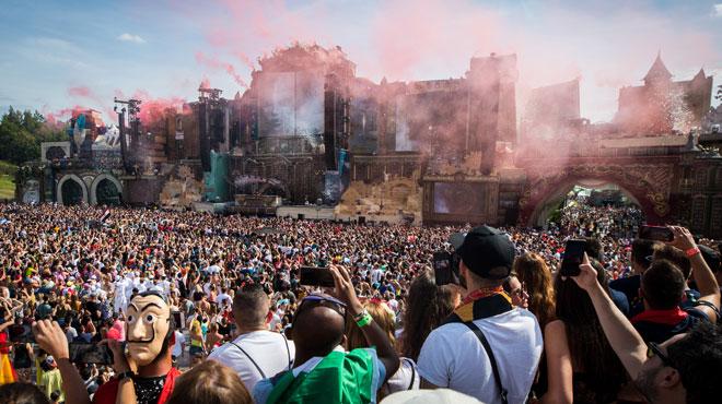 Tomorrowland: le décès du festivalier serait lié à la drogue, indique le parquet