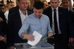 Elections législatives en Ukraine - Le parti de Zelensky en tête des législatives avec 44% des voix