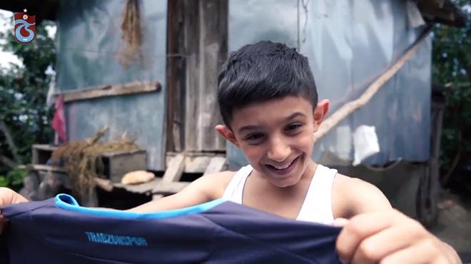 Turquie: le club de Trabzonspor dévoile son nouveau maillot dans une vidéo émouvante