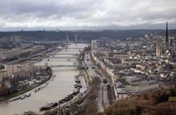 Enseignant guinéen tué en France: un suspect de nationalité turque en garde à vue