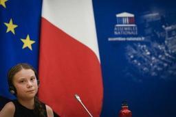 Devant les députés français, Greta Thunberg ironise face aux attaques