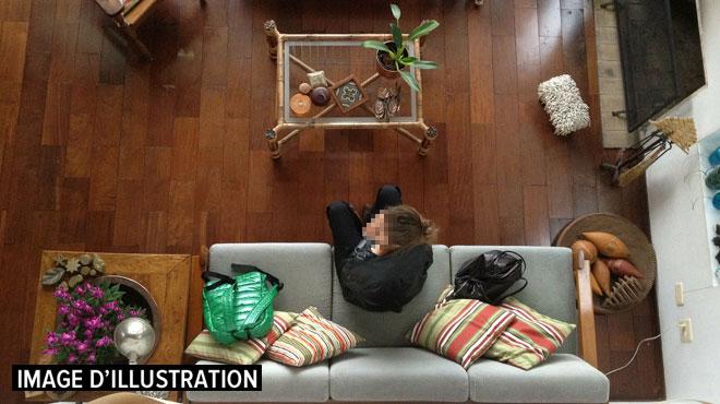 Une location dans un Airbnb vire au drame en France: des hommes armés séquestrent et violent les occupants