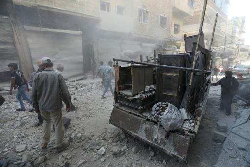 Syrie: au moins 20 civils tués dans des bombardements dans le nord-ouest, selon une ONG