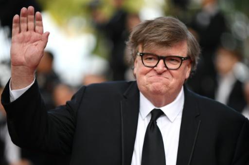 Le réalisateur Michael Moore critique Robert Mueller, Trump savoure