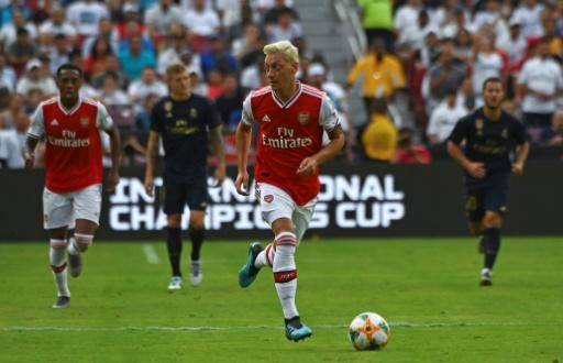 Arsenal: Özil et Kolasinac vont