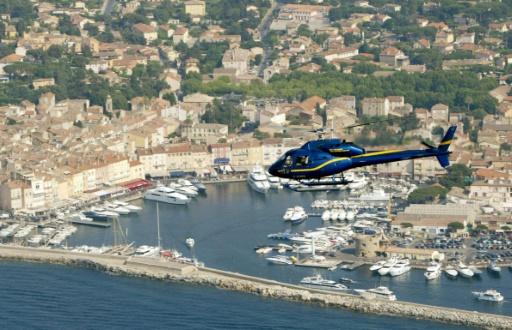 Saint-Tropez en hélicoptère: une manne, une plaie et un casse-tête pour les gendarmes