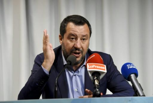 Italie : Salvini bloque 135 migrants sur un navire des garde-côtes