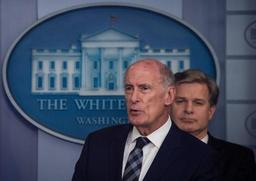 Donald Trump annonce le remplacement du directeur des renseignements américains