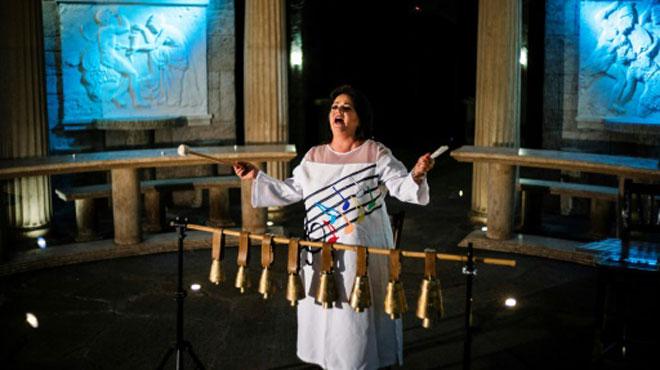 Une chanteuse bulgare entre dans le Guiness des records: sa voix est aussi puissante qu'un concert de rock ou une sirène d'ambulance