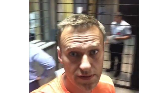 L'opposant numéro un au Kremlin a-t-il été empoisonné en prison? Il a des abcès sur le cou, le dos, le torse et les paupières gonflées