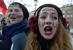 Russie: plus de 650.000 personnes demandent une loi contre les violences domestiques