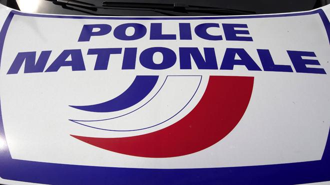 Un automobiliste fauche volontairement deux piétons en France: un mort et un blessé grave