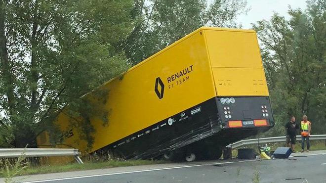 Un accident pour un camion Renault F1 qui se rendait en Hongrie