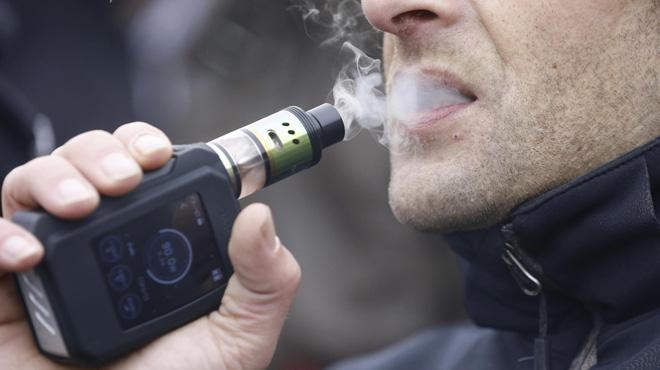 La cigarette électronique aide-t-elle à se sevrer du tabac? Pour l'OMS, la réponse est NON