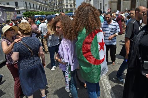 Algérie: l'armée rejette