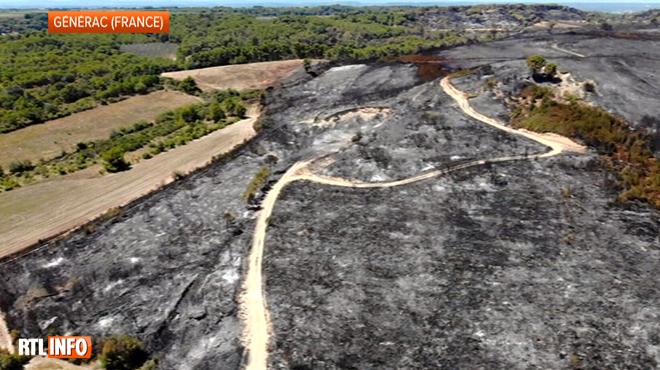 Impressionnant: ces images aériennes montrent les centaines d'hectares réduits en cendre dans le Gard
