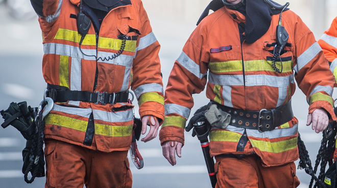 Trois maisons touchées par un incendie à Estinnes: un blessé grave