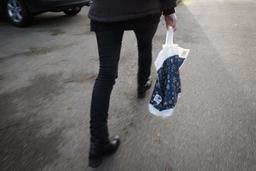 Les sacs plastiques ont la vie dure en Wallonie