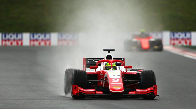 Mick Schumacher remporte son premier succès en Formule 2