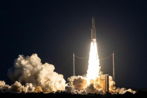 Ariane 5 doit lancer mardi deux satellites de télécommunications