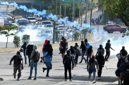 Honduras: affrontements lors d'une manifestation d'étudiants contre le président