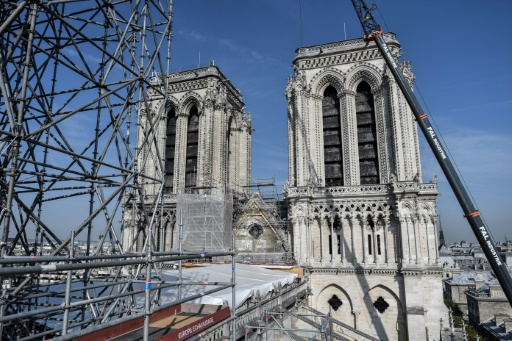 Mettre Notre-Dame
