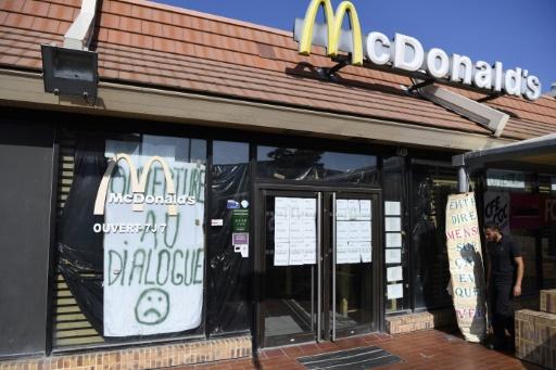 Le personnel du McDo de Saint-Barthélémy à Marseille demande l'arbitrage des pouvoirs publics