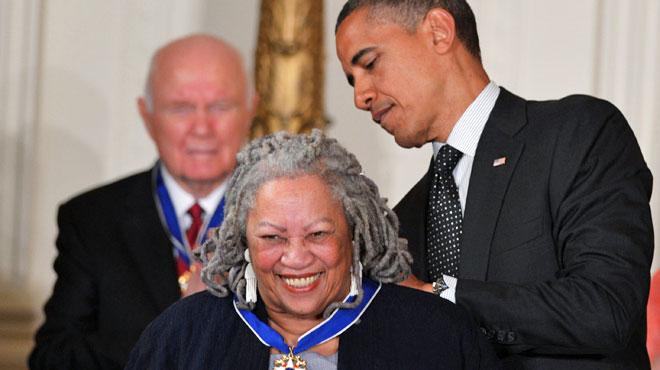 Toni Morrison est décédée: Barack Obama lui rend hommage