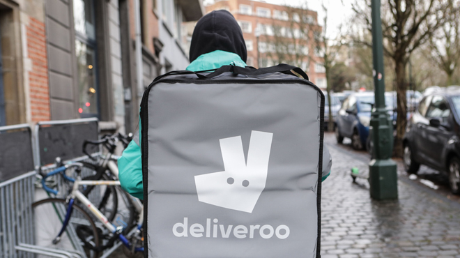 En France, des livreurs Deliveroo appellent les clients à boycotter la plateforme: