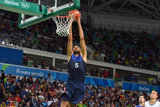 Basket: la France s'applique et s'impose devant la Tunisie