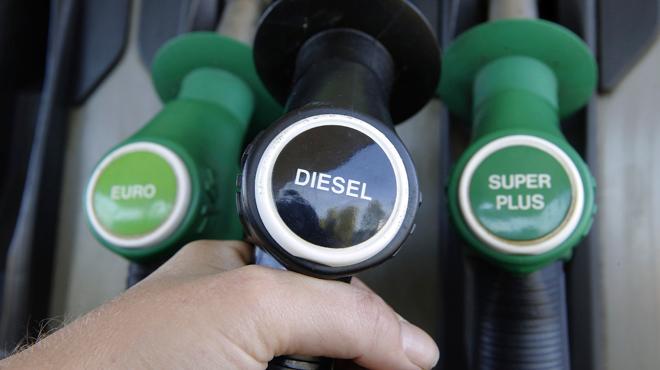 Si vous le pouvez, attendez demain pour faire le plein: le prix du diesel proche de son niveau plancher
