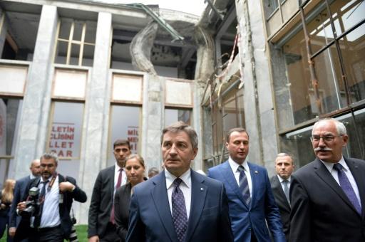 Pologne: démission du président du parlement, blâmé pour ses déplacements en avions officiels