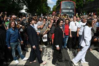 Les fans des Beatles célèbrent les 50 ans de la photo d'Abbey Road
