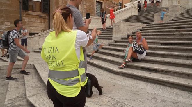 S'asseoir sur les escaliers de la Piazza di Spagna à Rome peut vous coûter cher: jusqu'à 400 euros d'amende