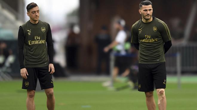 Premier League - Deux hommes poursuivis après des incidents en lien avec Özil