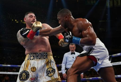 Boxe: le promoteur de Joshua justifie son combat contre Ruiz Jr en Arabie saoudite