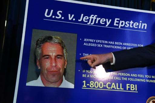 La justice américaine promet de traquer les complices d'Epstein
