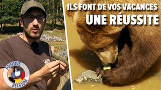 Anthony partage sa connaissance des ours avec le public du Domaine des Grottes de Han- Leur donner ça, c'est un bonheur au quotidien