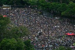 Nouvelle manifestation de masse pacifique à Hong Kong