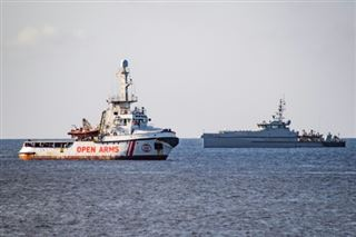 Migrants- Open Arms refuse l'offre irréalisable de l'Espagne d'accueillir son navire
