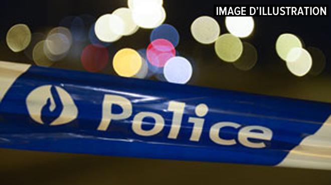 Une jeune fille de 14 ans perd la vie dans un accident à Nieuwerkerken: trois autres ados sont grièvement blessés