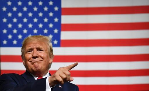 La Maison Blanche envisage des baisses d'impôts pour éviter une récession (presse)