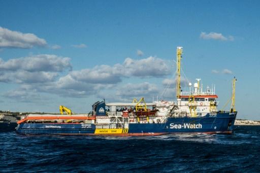 Refus de médaille: la mairie de Paris propose une rencontre à la capitaine du Sea Watch 3