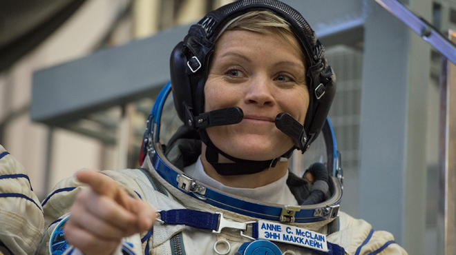 Une astronaute accusée par son ex-conjointe d'avoir commis le premier délit dans l'espace