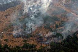 Le gouvernement brésilien libère de nouveaux moyens, des C-130 Hercules en action